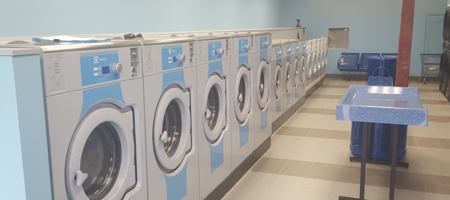 6 Commercial Laundry Machine Features to Increase Profits
