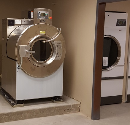UniMac commercial laundry equipment Washer Extractor